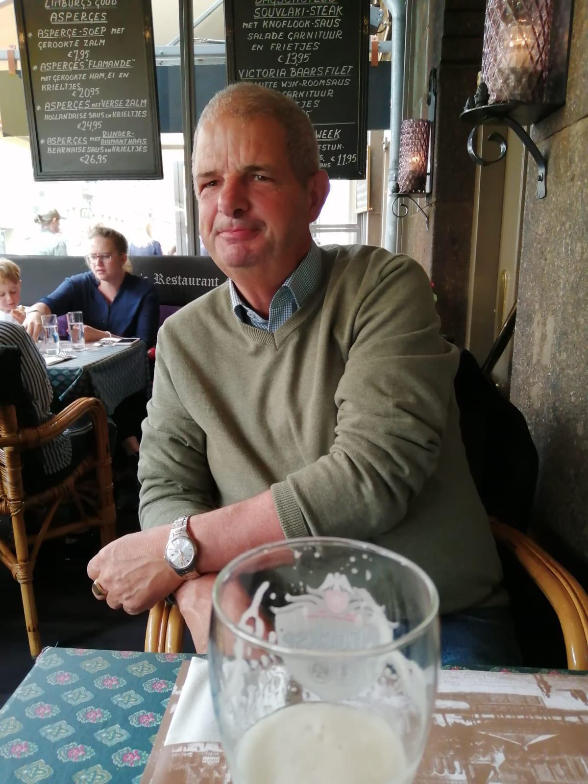 Knappe 60jarige  uit Limburg,Nederland